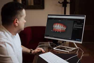Zbog korone se mijenjaju stomatološki pregledi. Sada ih možete obaviti preko mobitela