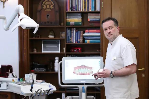 Danas postoje alajneri koji ispravljaju zube, a nevidljivi su, tako da pacijentu ne mora biti neugodno, kaže stomatolog dr. Tomislav Lauc